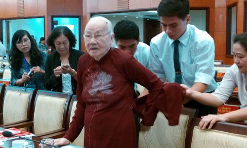Thủ tướng, Phan Văn Khải, Nguyễn Văn Linh, TP. HCM, xé rào, cởi trói