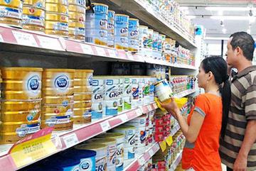 Ba bà mẹ trẻ mua chung 1 hộp sữa cho con