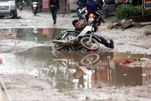 Thời sự trong ngày: Siêu xe biển độc gặp nạn ở Sài Gòn