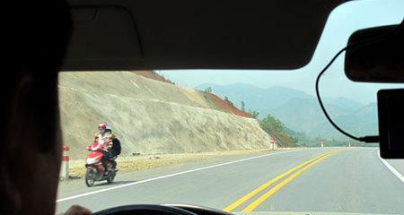 Hình ảnh 'lạ' chỉ có trên cao tốc dài nhất Việt Nam