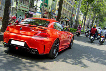 Xế độ BMW Z4 mới ra lò ở Sài Gòn