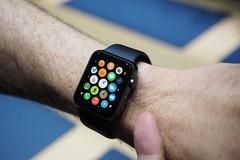 40% người dùng iPhone muốn mua Apple Watch