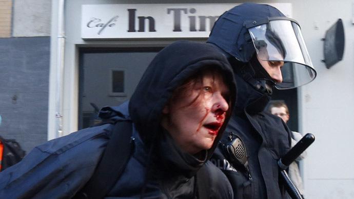 Cảnh bạo lực đẫm máu trong cuộc biểu tình tại Đức
