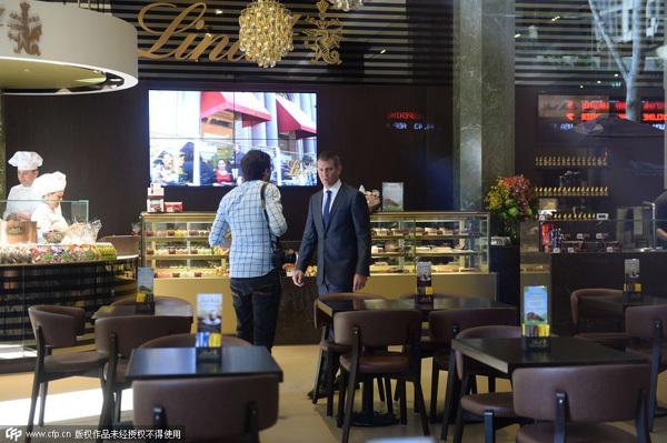 Ba tháng sau vụ bắt cóc chấn động, cafe Lindt mở cửa lại
