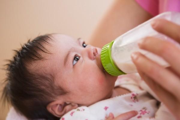 Kết quả hình ảnh cho sữa dê cho bé bị dị ứng sữa bò