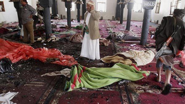 IS giả tật nguyền đánh bom nhà thờ, hàng trăm người chết - 1