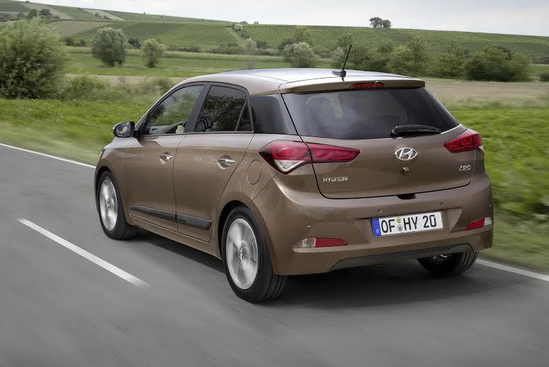 Xếp hàng 2 tháng mua ôtô Huyndai 170 triệu đồng