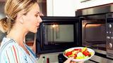Nấu nướng bằng lò vi sóng có an toàn cho sức khỏe?