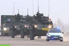 Đoàn xe quân sự Mỹ biểu dương sức mạnh ở Đông Âu