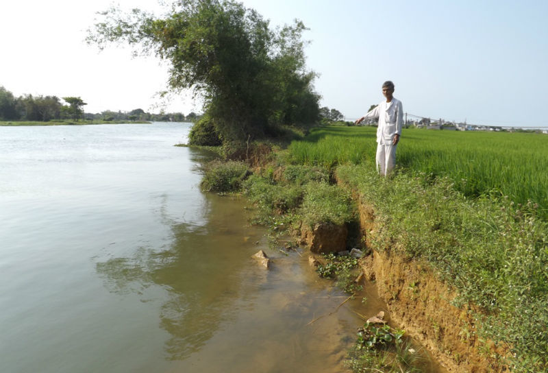 Con sông đẹp bị 'giết' không thương tiếc