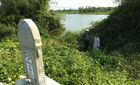 Sông đẹp bị 'giết', chính quyền loay hoay... tìm phương án