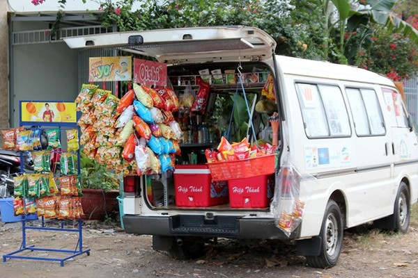Ôtô bán dạo tạp hóa giữa 'phố nhà giàu' Phú Mỹ Hưng