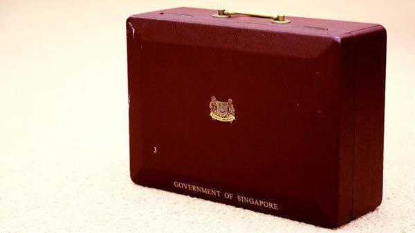 Chuyện về chiếc hộp đỏ Lý Quang Diệu luôn mang bên mình