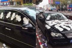 Nam game thủ bị bạn gái dán đầy băng vệ sinh lên xe vì tưởng phản bội