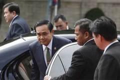 """Thủ tướng Thái dọa """"xử"""" nhà báo đưa tin sai"""