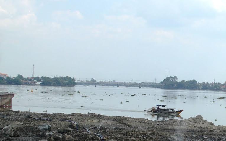 Lấp sông Đồng Nai: Chưa hề hỏi ý kiến dân! - 1