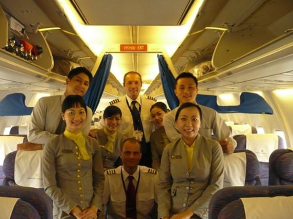 đại-gia, Hà-Dũng, giai-nhân, Trà My Idol, Indochina Airlines, ca-sĩ, người-đẹp