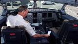 Hàng không thế giới đồng loạt đổi luật buồng lái