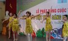 Đức Việt cổ vũ học sinh THCS yêu văn nghệ thể thao