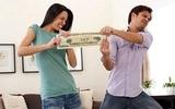 """""""Vợ là cái kho không đáy, dại gì mà nộp tiền"""""""