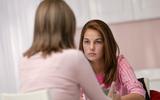 """7 điều mẹ cần dạy con gái nhất về """"chuyện ấy"""""""