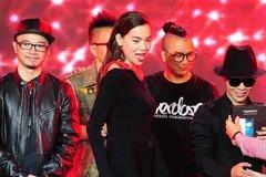 Hà Hồ tỏ tình với Hoàng Touliver trên truyền hình