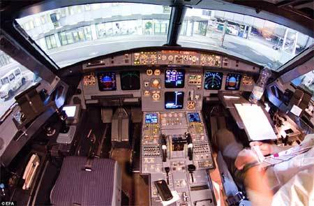 Cơ trưởng Germanwings gào thét tuyệt vọng