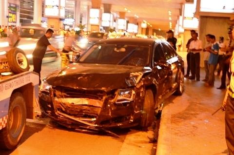 Khởi tố bị can vụ siêu xe đón Hồ Ngọc Hà gây tai nạn