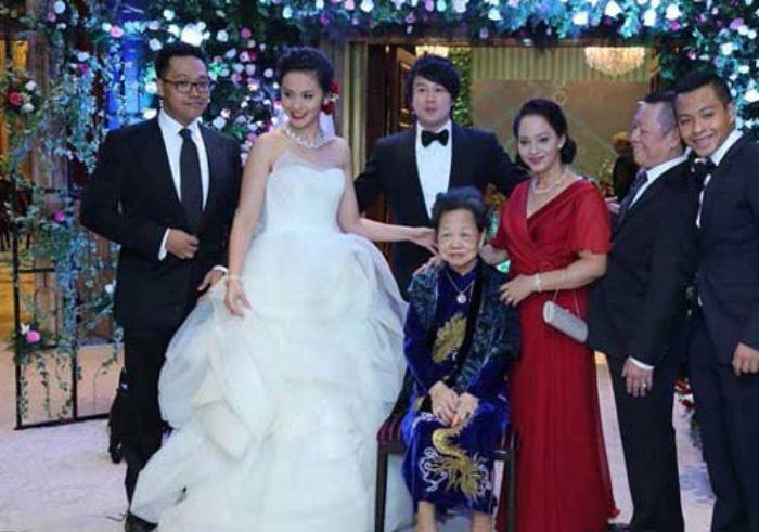 Gia thế hoành tráng bậc nhất Sài Gòn của vợ Thanh Bùi
