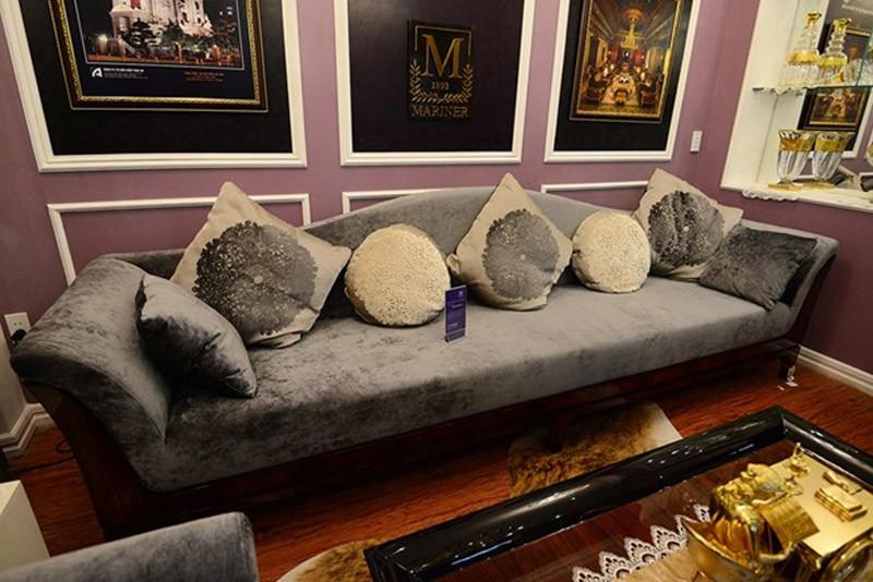 bộ bàn ghế, gỗ óc chó, giá 1,4 tỷ đồng, Hà Nội