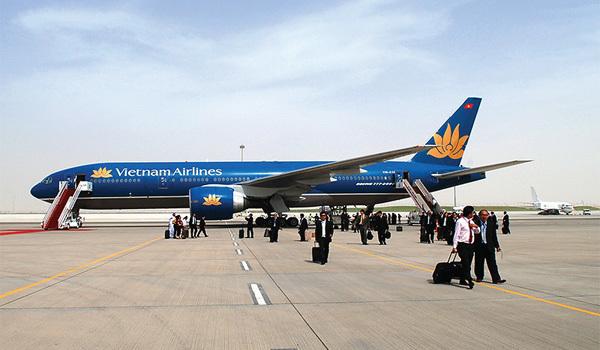 Bộ trưởng Thăng: Phạt Vietnam Airlines và Vietjet Air nếu chậm chuyến