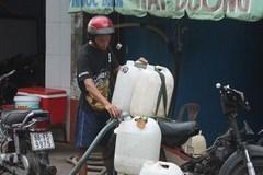 Kỳ lạ nghề bán… nước biển ở Sài Gòn