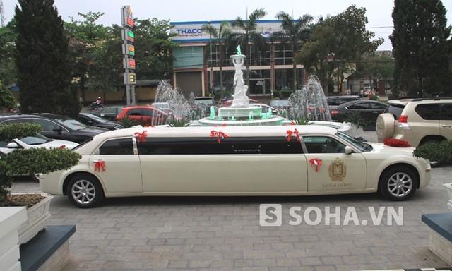 Cận cảnh chiếc siêu xe Limousine dài nhất xứ Nghệ