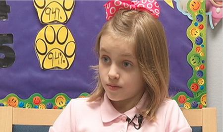 Bé 9 tuổi phát biểu phản đối thi cuối năm
