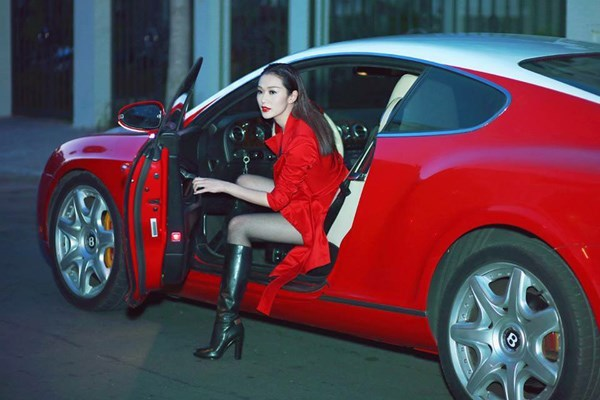 Siêu xe, Bentley đỏ, đối thủ, Ngọc Trinh