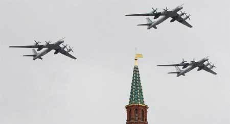 Vì sao Nga liên tiếp triển khai máy bay ném bom?