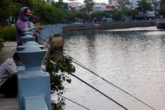 """Lệnh cấm câu cá """"cho vui"""" ở kênh Nhiêu Lộc - Thị Nghè?"""