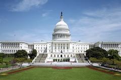 Một nam giới tự sát trước nhà Quốc hội Mỹ