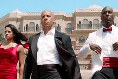 'Fast & Furious 7' thu 800 triệu đô la trên toàn cầu