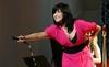 Choáng với váy áo hở bạo của Thanh Lam