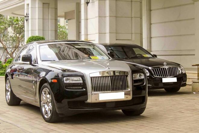 Cặp đôi xe siêu sang Rolls-Royce, Maybach hội ngộ ở Sài Gòn