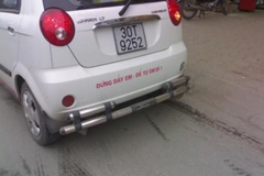 Cười đau bụng với những khẩu hiệu 'độc' sau xe ôtô