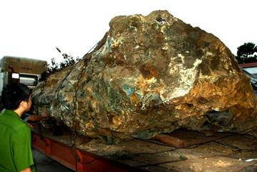 Vụ bắt giữ hòn đá: Người bị phạt hơn 1 tỷ có quyền kiện ra Tòa