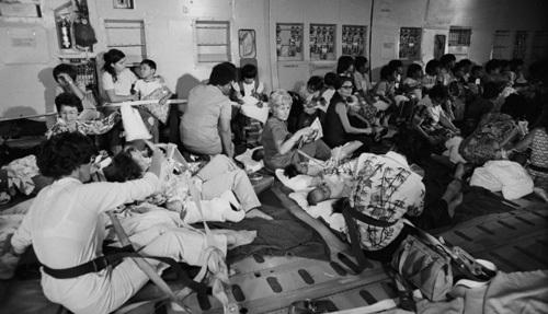 Những đứa trẻ tị nạn trong ngày cuối cuộc chiến - 1