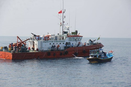 Tìm thấy đuôi máy bay Su22 dưới biển Bình Thuận