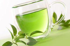 Trổ tài nữ công gia chánh với trà xanh