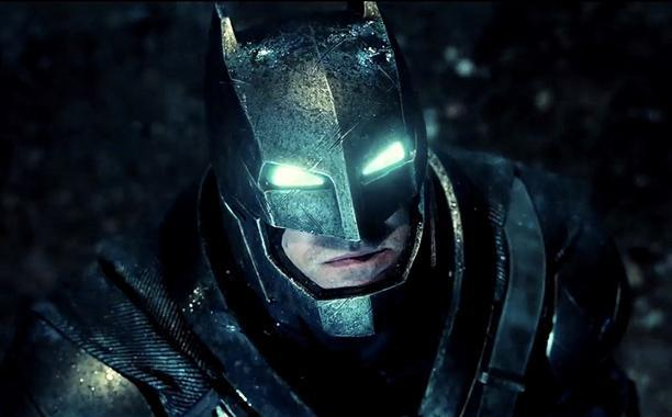 Bị lộ, 'Batman v Superman' vội vàng tung trailer chính thức