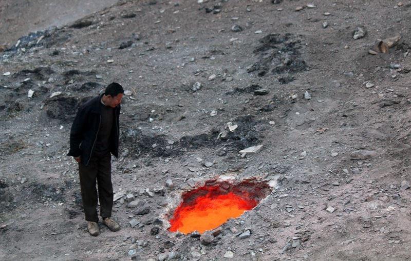 Tâm điểm Khoa học: Phát hiện 'cổng tới địa ngục' ở TQ