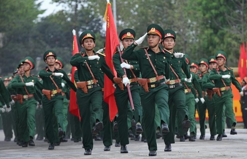 Nghìn quân diễn tập diễu binh