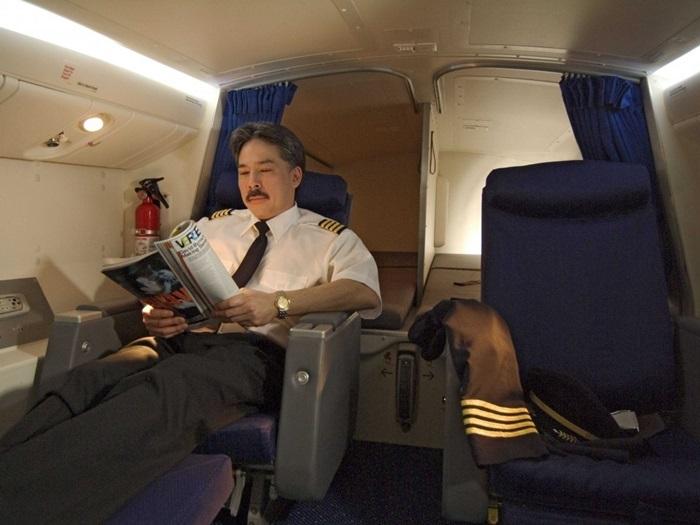 Khoang bí mật trên máy bay không bao giờ khách được biết